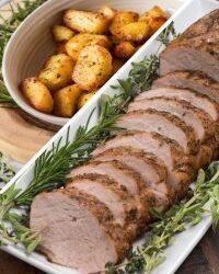 Свинско бон филе с марината Зелени билки и картофи на фурна